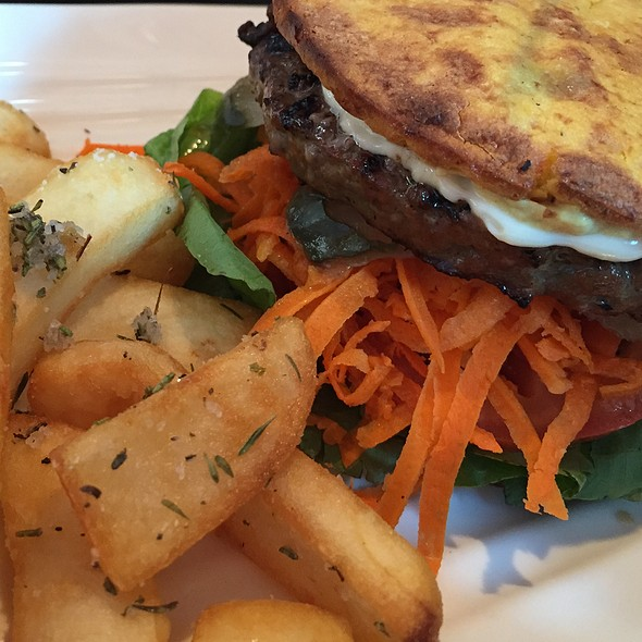 Nourish And Florish @ Girlld Healthy Burgers