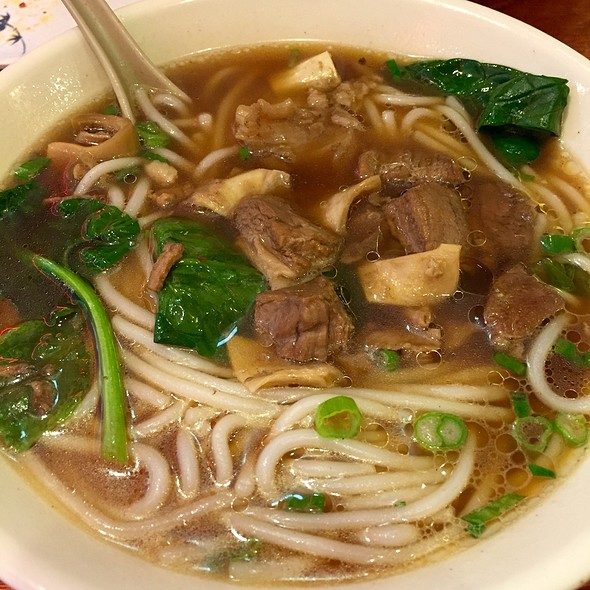 Cross-Bridge Noodle Soup With Beef @ Lao Yunnan