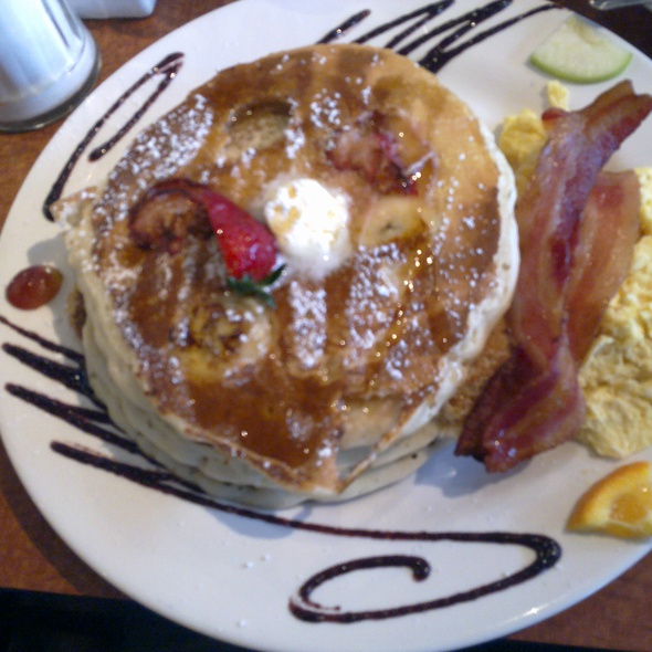 Strawberry Banana Pancakes @ The Mission Mission Beach