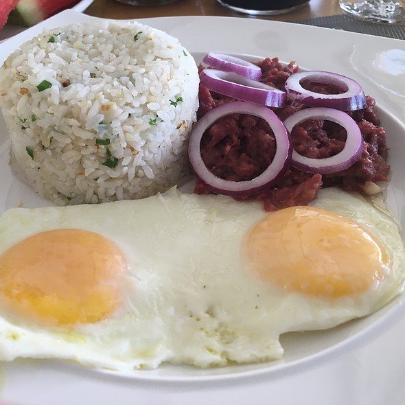 Cornsilog Filipino Breakfast (Corned Beef)
