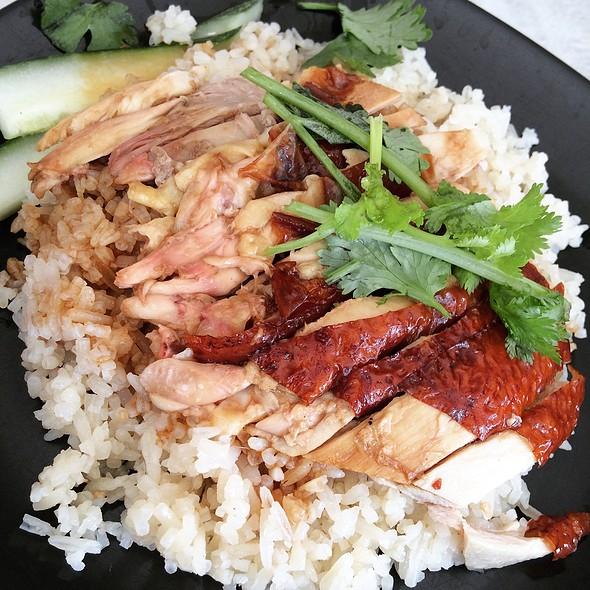 Roasted Chicken Rice 烧鸡饭 @ Food Canopy