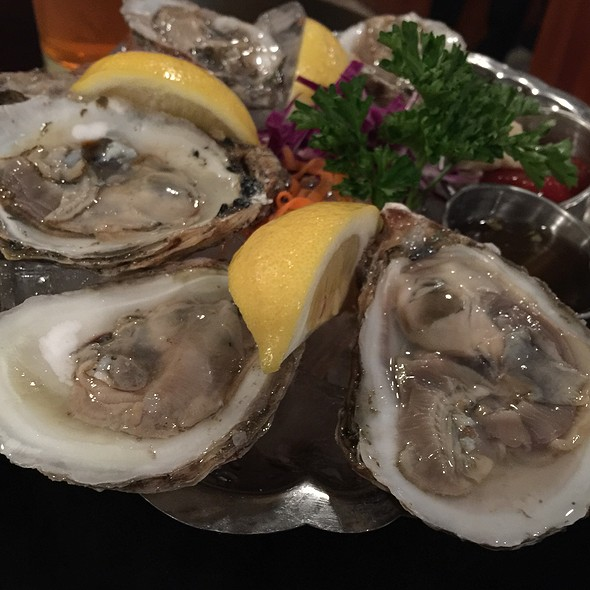 Oysters - Abalonetti Bar and Grill, Monterey, CA