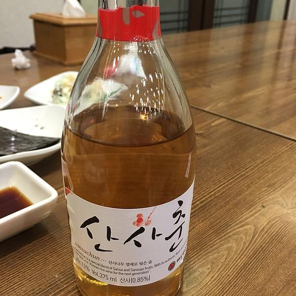 Korean Wine @ 강릉집 사당직영점