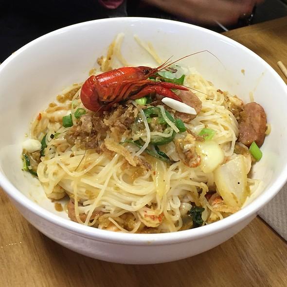 Awesome LA Garlic Noodles
