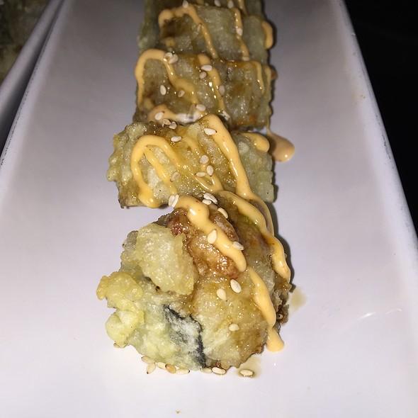 spicy ahi tempura roll