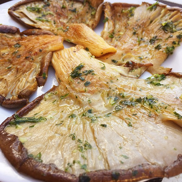 Grilled Mushrooms @ Recuncho Celta