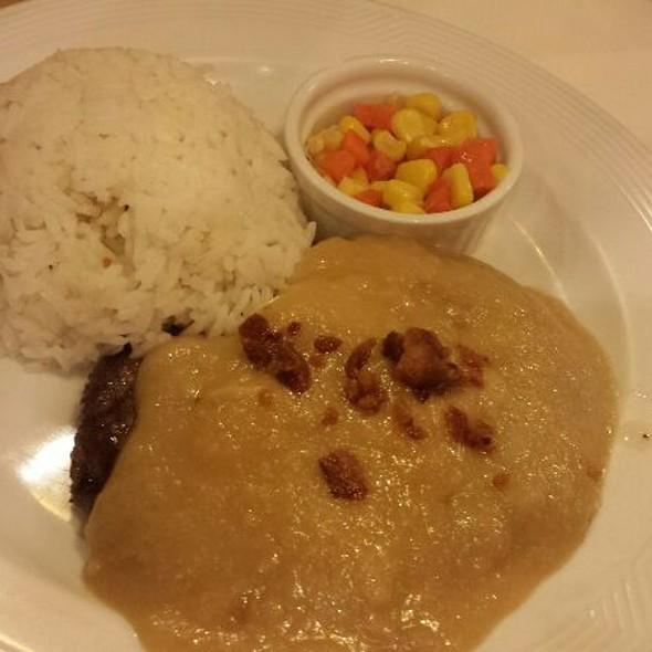 Salisbury Steak With Gravy And Rice