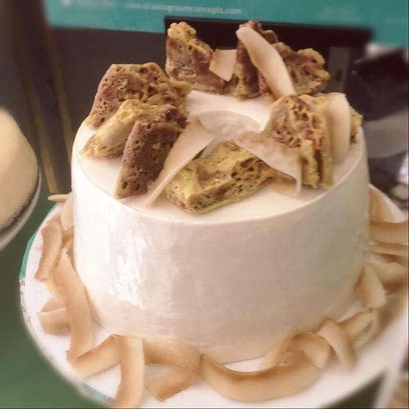 Pandang Angel Cake