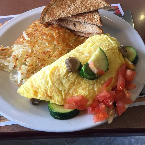 Ultimate Vegetable Omelette @ Denny's