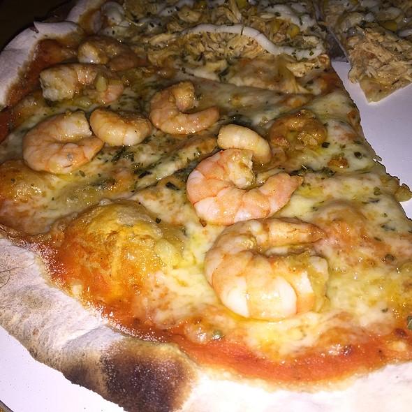 Pizza Camarão @ Restaurante E Pizzaria Italia