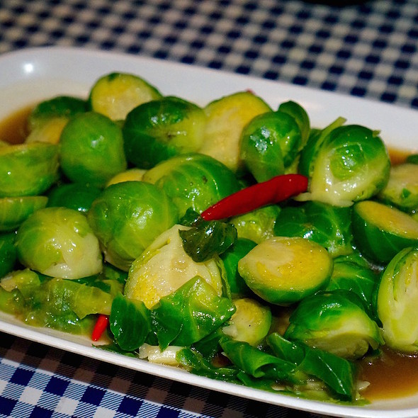 Phat Khanaeng – stir-fried Brussels sprouts, Thai chilies, garlic, oyster sauce, soy sauce, fish sauce @ Pok Pok Phat Thai