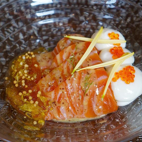 Light smoked Tasmanian salmon, kale, yuzu muustard miso dressing, persimmon, fennel seed, tosazu gelle @ brushstroke