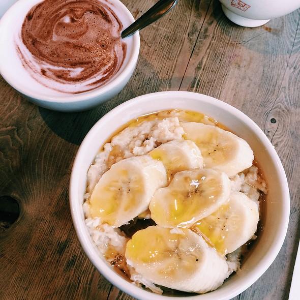 Organic Porridge With Banana