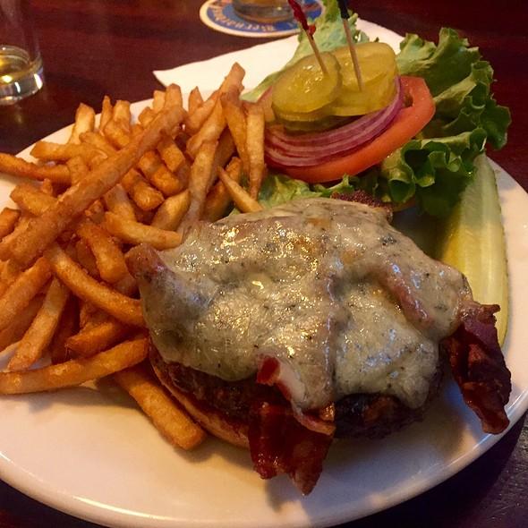 Yak Burger  @ Coasters Pub