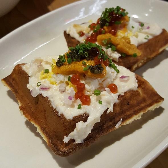 Uni Waffle @ Yona