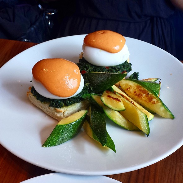 Florentine Eggs Benedict @ Trencherman