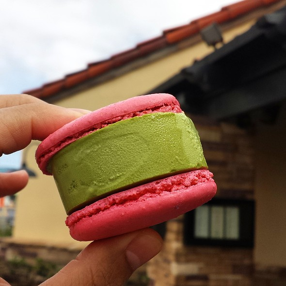 Macaron Ice Cream Sandwich @ Gen Korean BBQ House