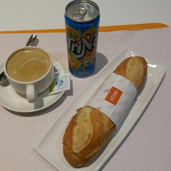 Bocadillo De Atún Y Trina De Naranja @ Cafeteria Can Ruti