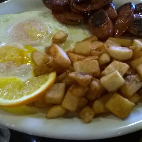 Portuguese Sausage and Eggs @ Babycakes Cafe