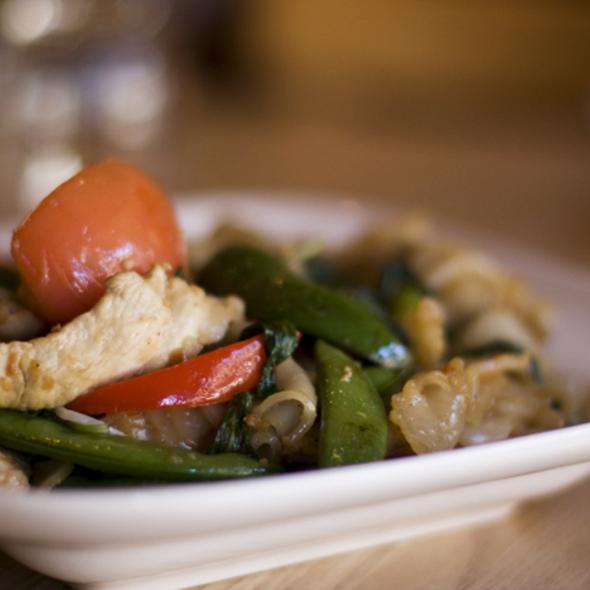 Pad Khee Mao @ Tiparos Thai Cuisine & Sushi Bar