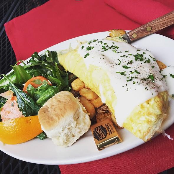 Omelette @ The Vine