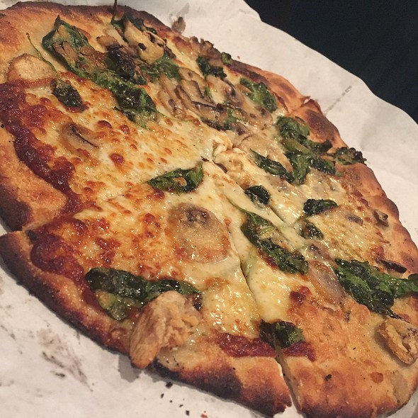 Spinach, Mushrooms And Gorgonzola
