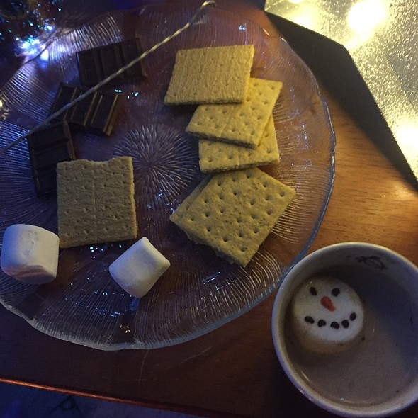 Smores And Hot Cocoa