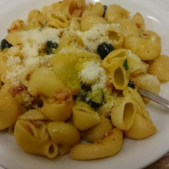 Pasta Olive E Salsiccia @ Caffè Pasticceria Serafini
