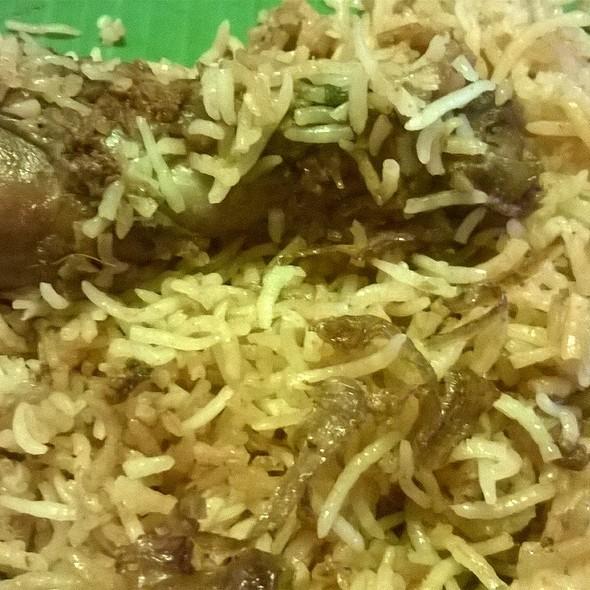Hyderabadi Chicken Biryani @ Nandhana Palace
