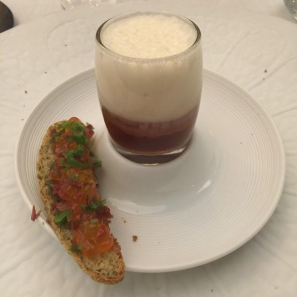 Chupito De Pez Mantequilla Con Espuma De Espárrago Blanco @ El Club Allard