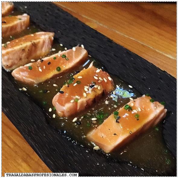 Salmon Tataki @ Sensi Bistro Tapas