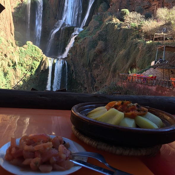 Lunch @ Ouzoud Waterfalls