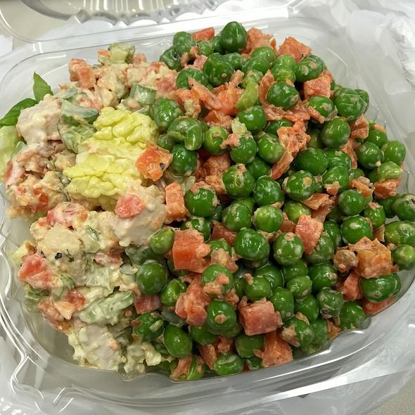 Chicken Curry & Peas Salads