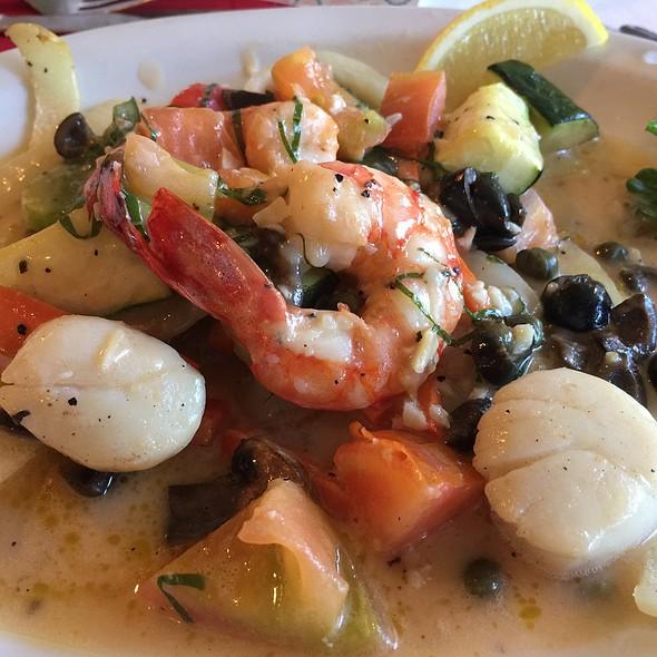 Shrimp & Scallop Capri With Vegetables