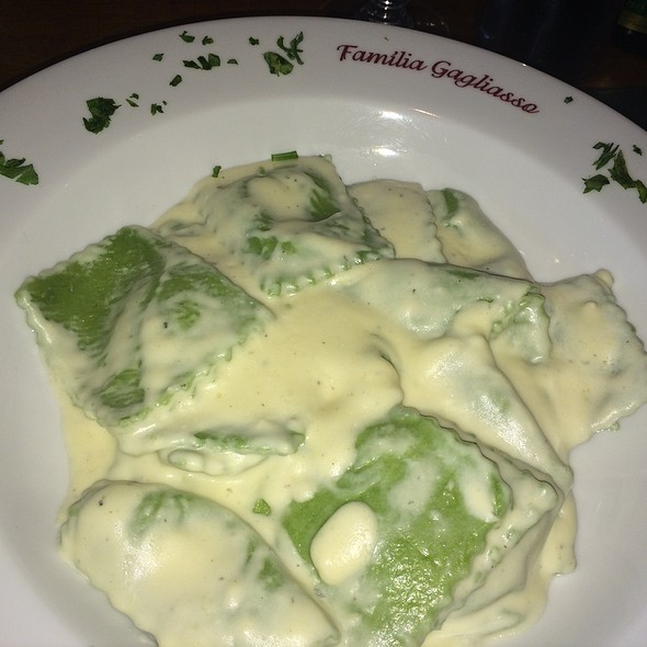 Green Ravioli With Herb Cream Cheese Served With Sweet Chestnuts