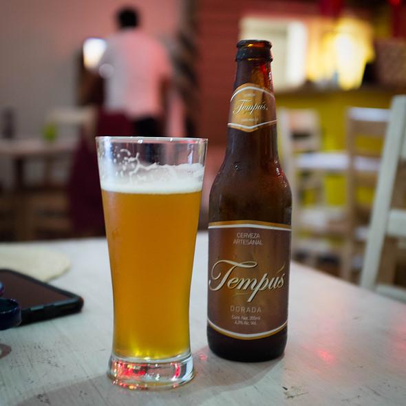 Cerveza Tempus Pilsner @ La Olla