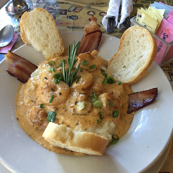 Shrimp & Grits @ Surrey's Cafe & Juice Bar