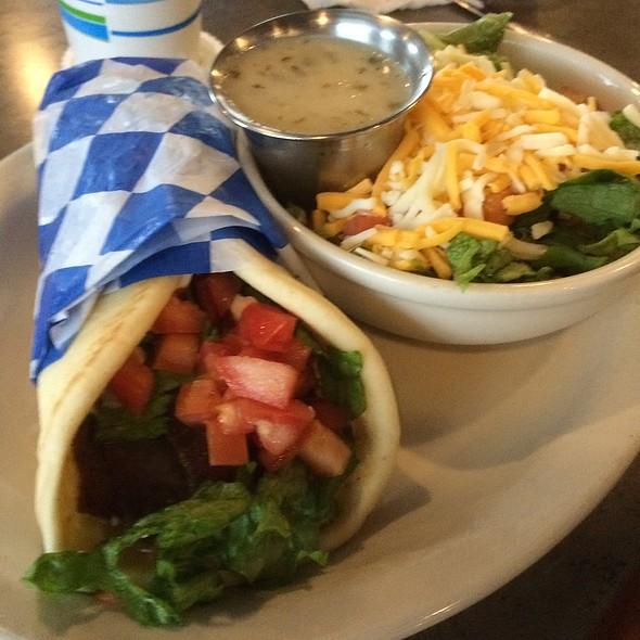 Gyro Sandwich & Salad