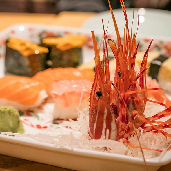 Hatcho authentic japanese cuisine sushi bar seafood for Authentic japanese cuisine