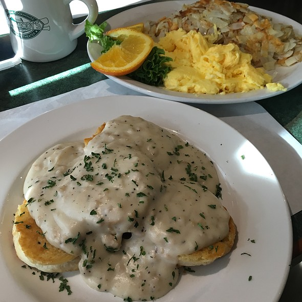 Biscuits & Whole Hog Gravy @ Everybody's American Cookhouse & Sports Theater