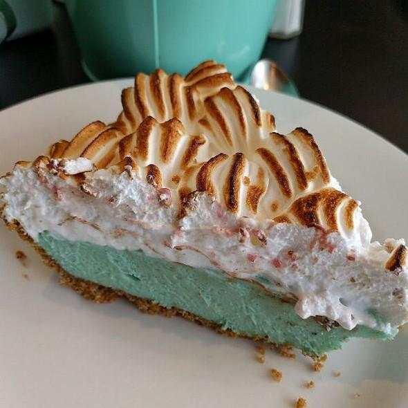 Marshallow Mermaid Pie @ Pie Cloud