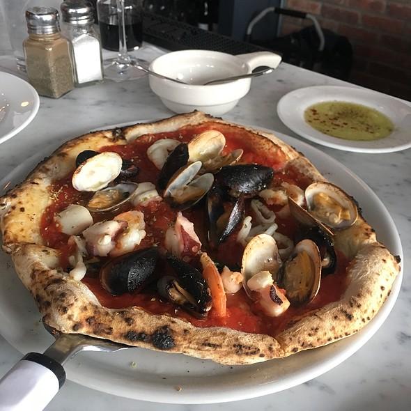Sapori Di Mare Pizza