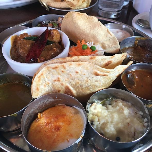 Chicken Korma Thali