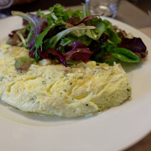 Omelette With Mushrooms And Salad @ Bistrot Moderne