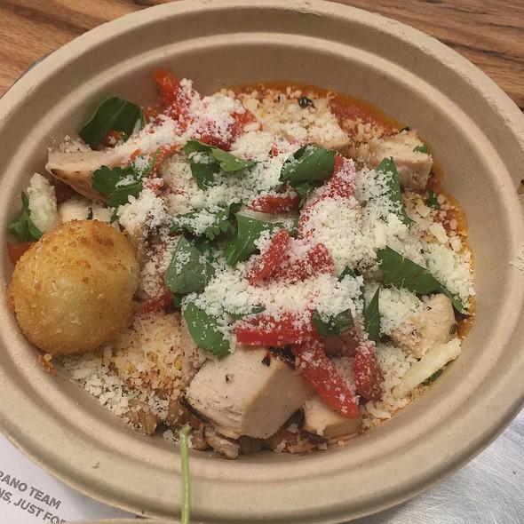 Farro, Chicken An Pomodoro Sauce