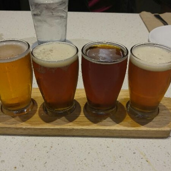 Beer Flight @ The Counter
