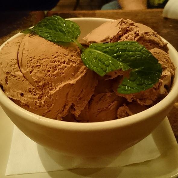 Oaxaca Chocolate Ice Cream - Mercado - Santa Monica, Santa Monica, CA