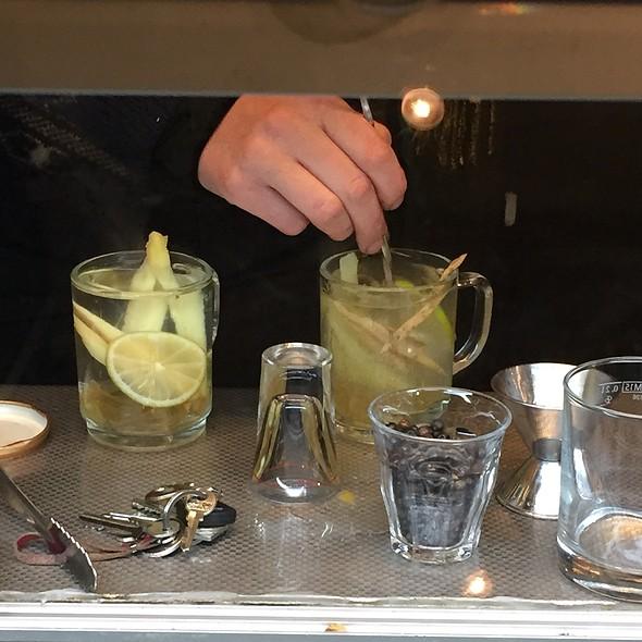 Hot Gin & Ginger Making