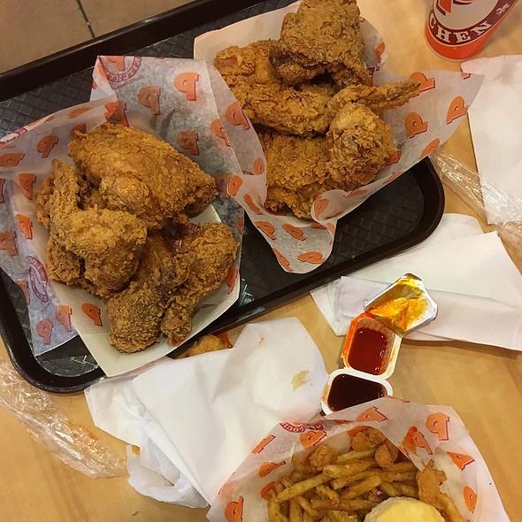 fried chicken @ Popeye's