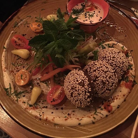 Falafel @ Damas
